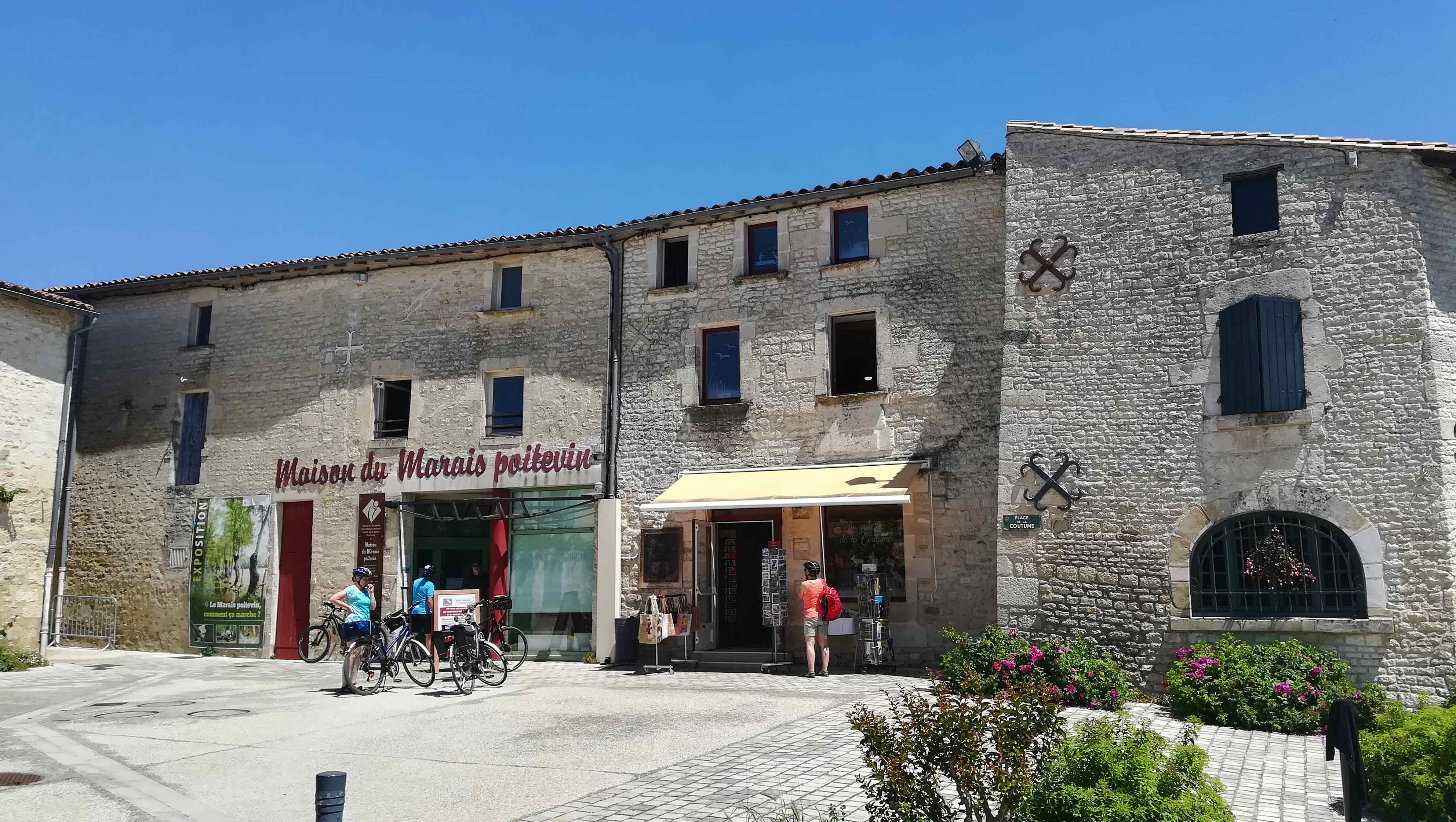 Maison du Marais Poitevin + Balade en barque guidée (ad)